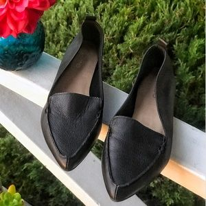 Aldo pointed toe leather flats Size 5